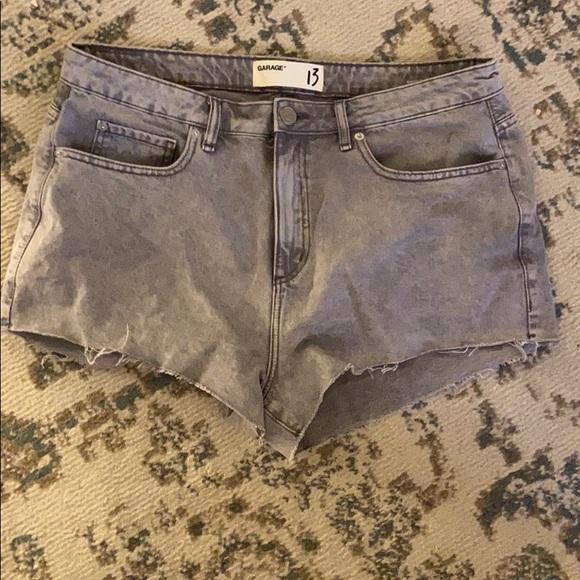 Garage Size 13 Jean Shorts EUC